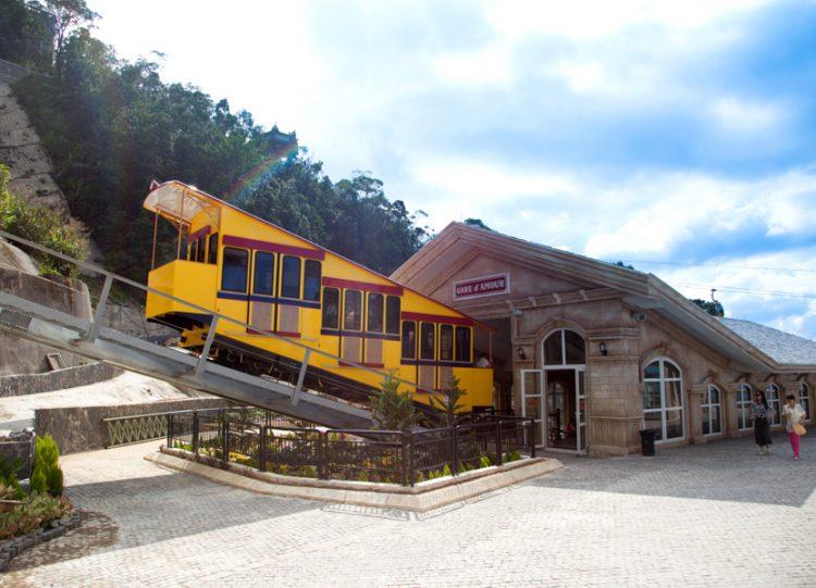 Gía vé tàu lửa leo núi