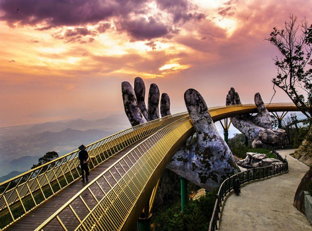 Cầu vàng bà nà hills - Địa điểm du lịch đà nẵng 2019 tết nguyên đán