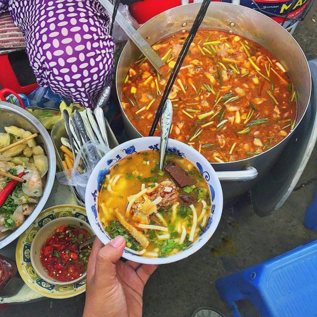 Khu ẩm thực chợ Cồn